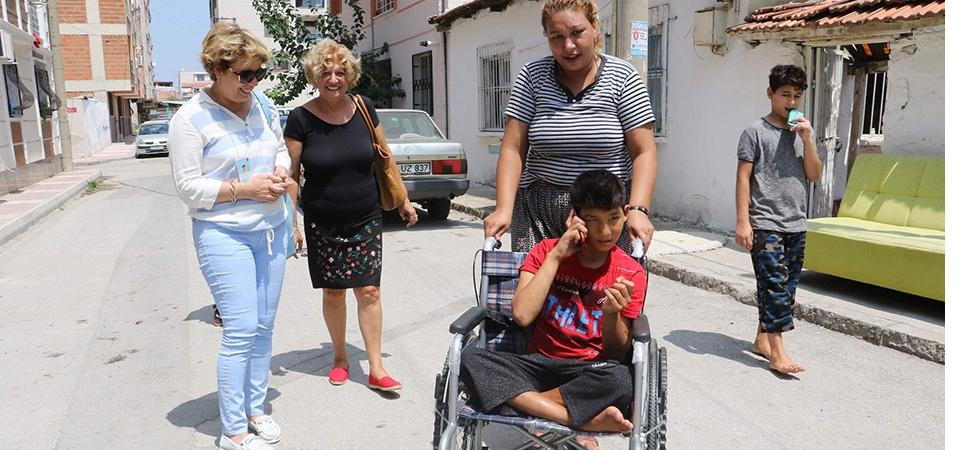 Engelli vatandaşın yüzünü güldüren hediye