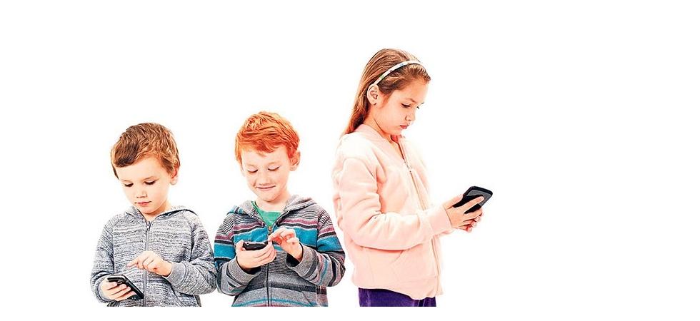 Her 10 çocuktan 6'sı akıllı cep kullanıyor