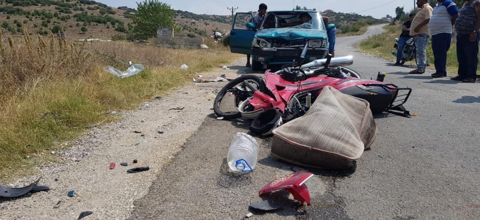 Otomobil İle Motosiklet Kafa Kafaya Çarpıştı 1 Ağır Yaralı!