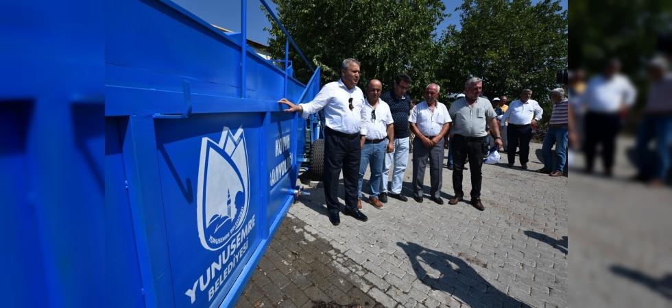 Yunusemre Belediyesinden mobil hayvan yıkama aracı