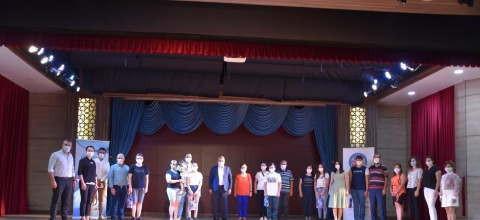 Başkan Çerçi başarılı öğrencileri ödüllendirdi