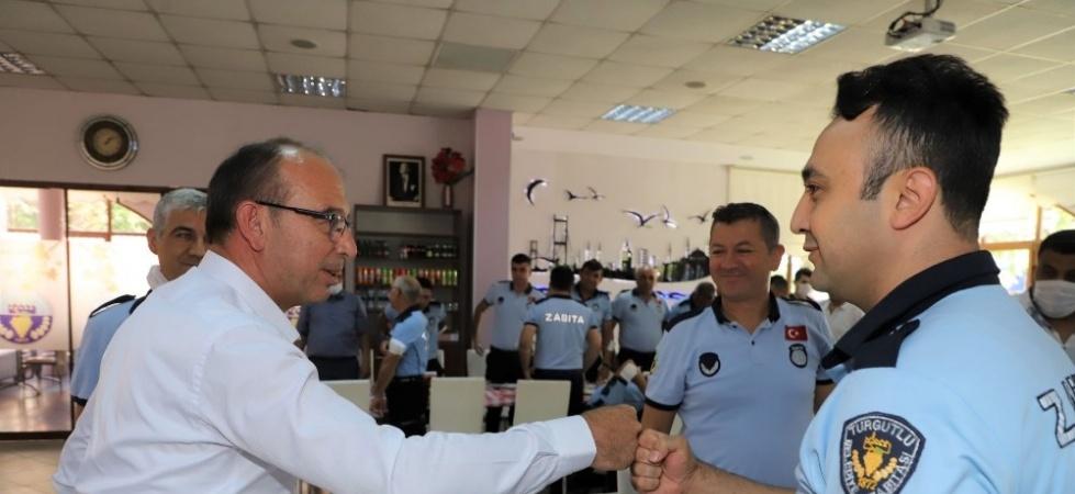 Başkan Çetin Akın zabıta personeli ile bir araya geldi