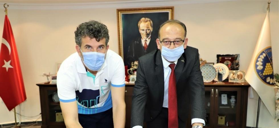 Turgutlu Belediyespor Yener Baştürk ile sözleşme yeniledi