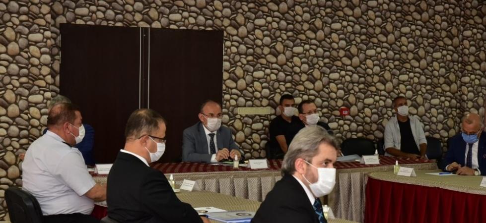 Vali Karadeniz Salihli'de korona virüs çalışmalarını değerlendirdi