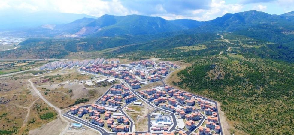 Yunuskent'te konutlar hak sahiplerine teslim ediliyor