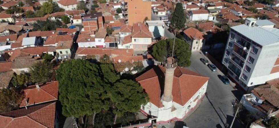 Akhisar Belediyesinden Efendi Camisi'ne onarım çalışması
