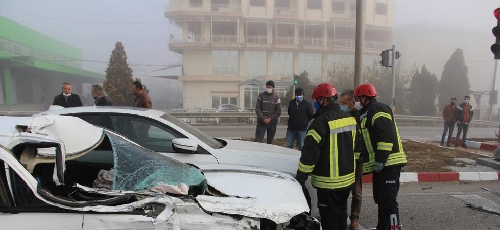 Kula'da yoğun sis kazaya sebep oldu