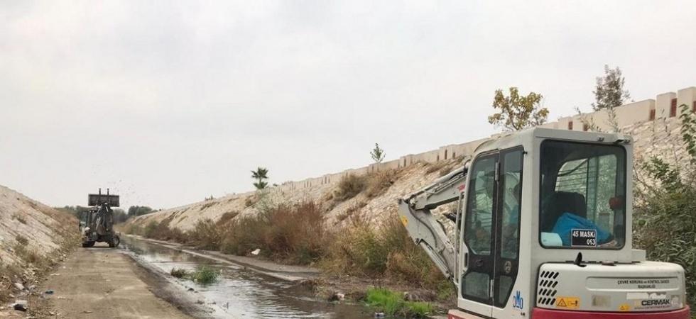 Manisa'da su taşkınlarının önüne geçiliyor