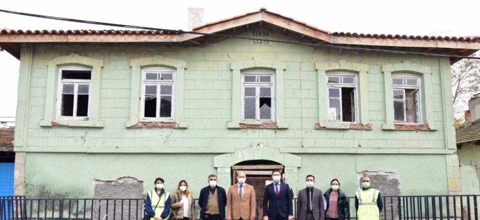 Salihli'dekiAtatürk Evi restorasyonu başladı