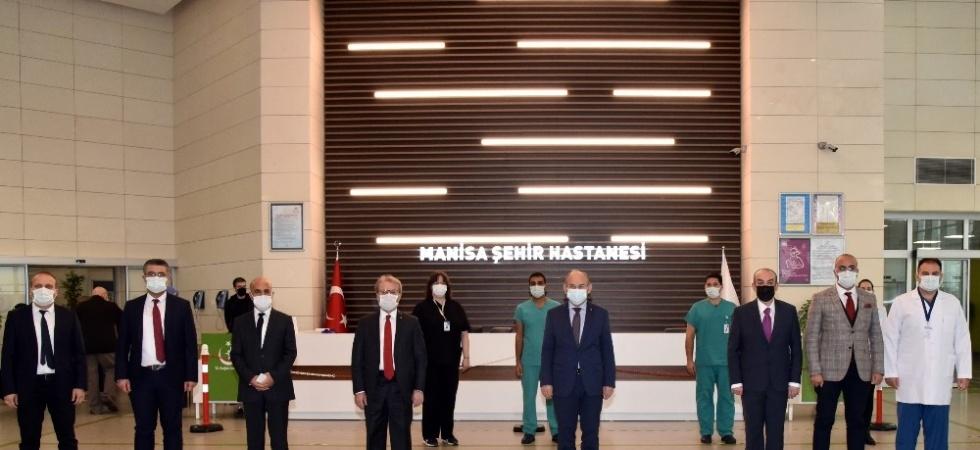 Vali Karadeniz, Manisa Şehir Hastanesinde incelemelerde bulundu