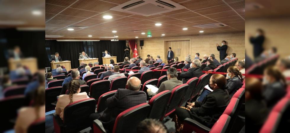Akhisar Belediye Meclisi ilk kez Uğur Mumcu Kültür ve Sanat Merkezi'nde toplandı