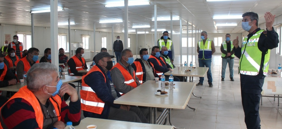 Hızlı Tren inşaatında görevli sürücülere jandarmadan eğitim