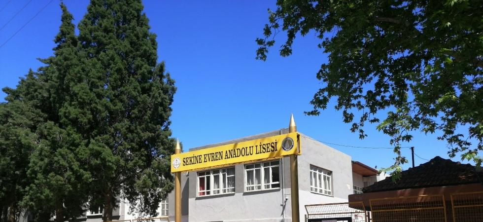 Kenan Evren'in eşinin ismini taşıyan okulun adı değiştirildi