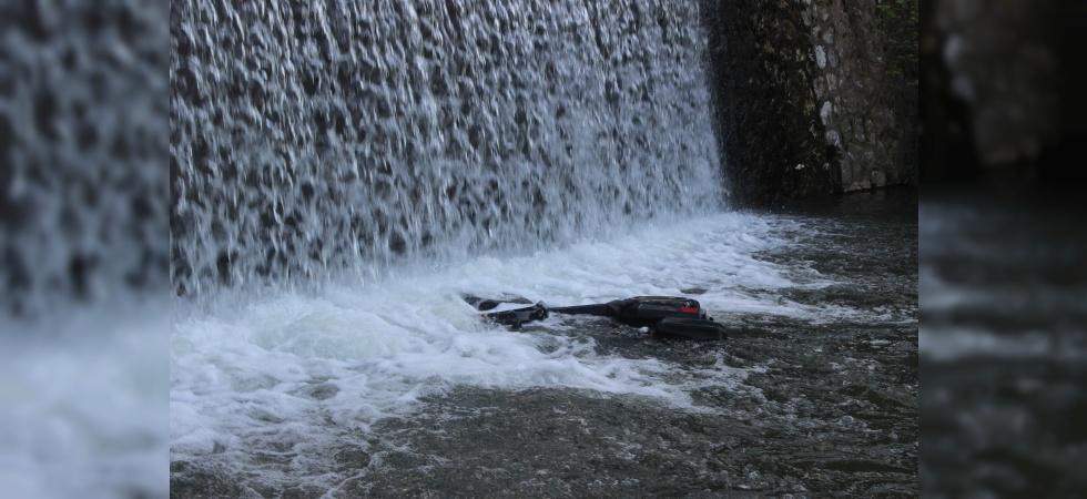 Manisa'da ATV motoru şelaleden uçtu