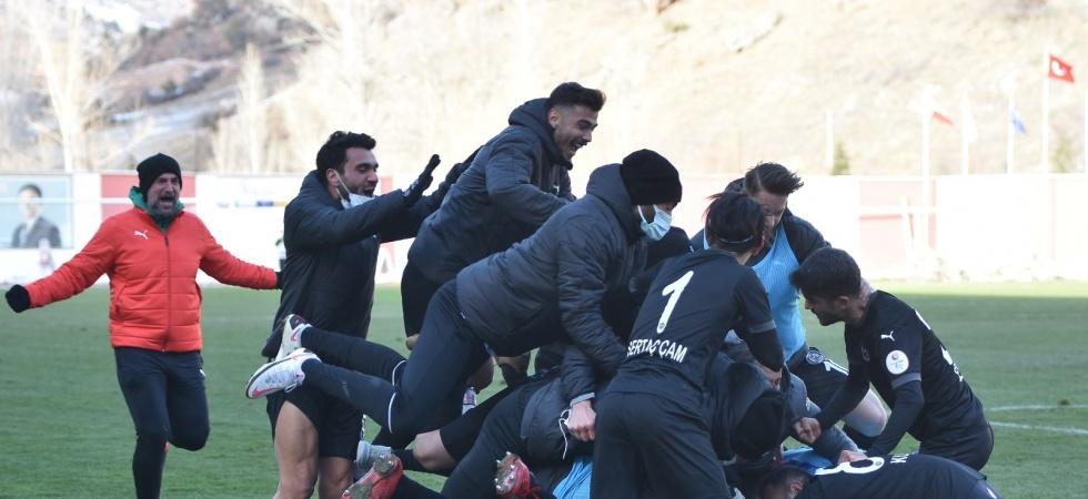 Şampiyon Manisa FK kupasına kavuşuyor