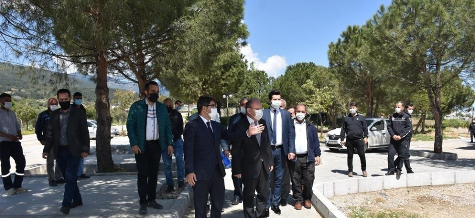 Vali Karadeniz Şehzadeler'in Sancaklıiğdecik projesini çok beğendi