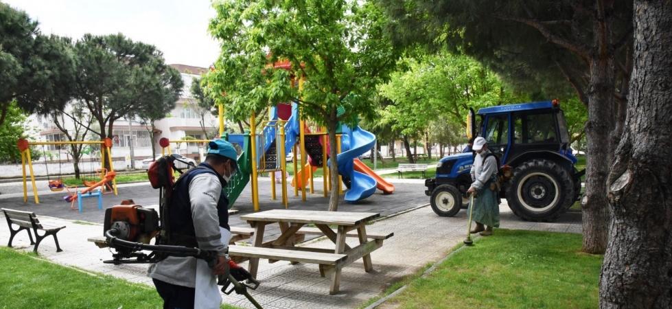 Yunusemre Belediyesinden yeşil alanlarda bakım çalışması