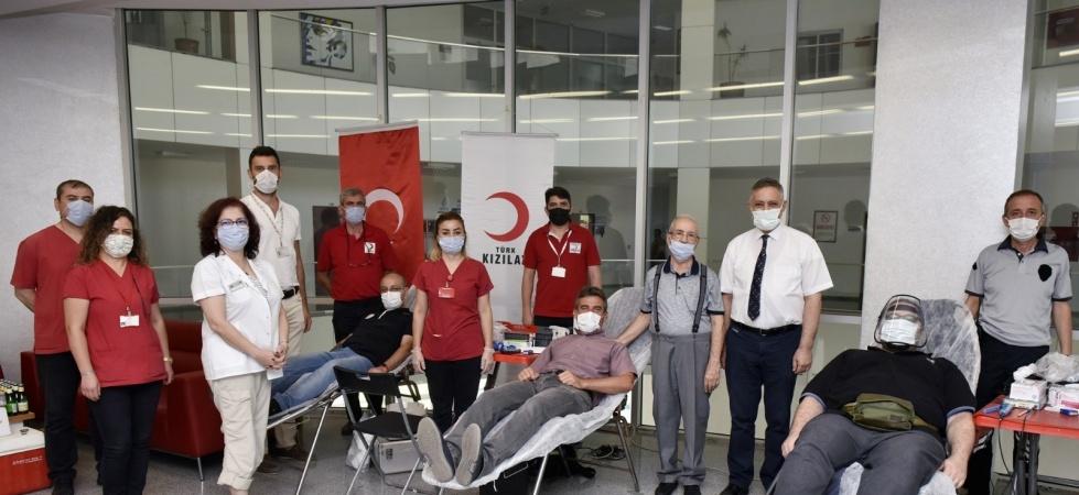 Manisa CBÜ personeli kan ve kök hücre bağışında bulundu