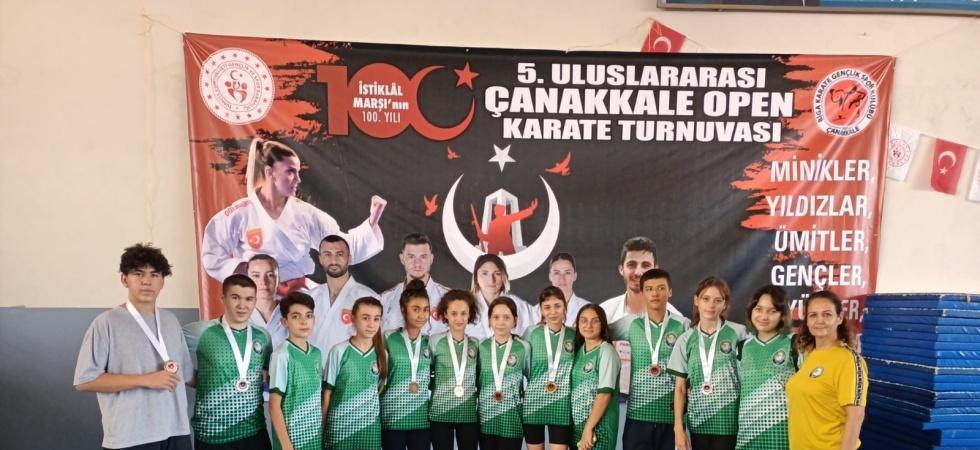 Karatede Salihli Belediyespor farkı