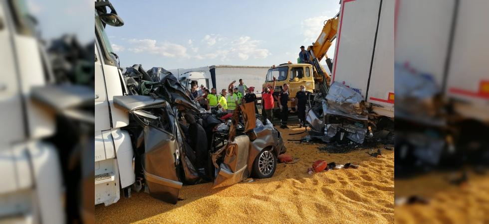 Manisa'da korkunç kaza: 3 ölü, 5 yaralı
