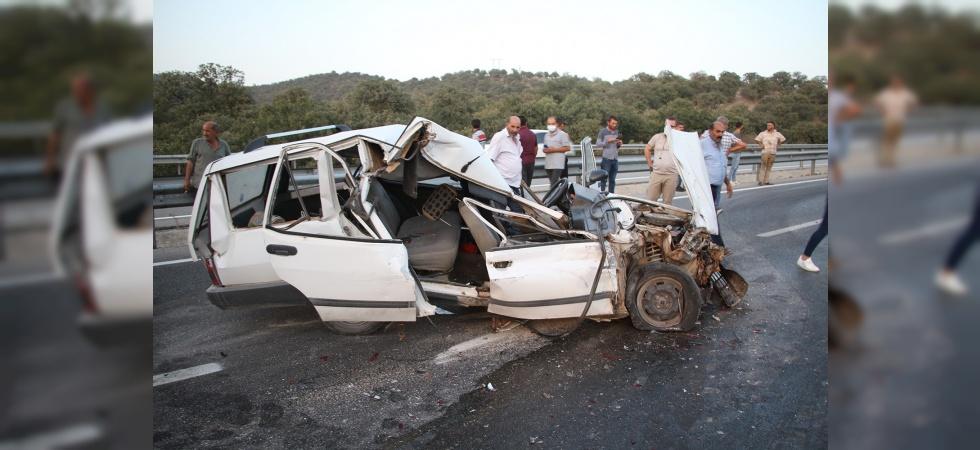 Otomobil tıra arkadan çarptı: 2 ağır yaralı