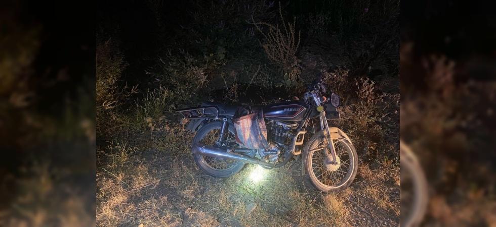 Salihli'de motosiklet domuza çarptı: 1 ölü