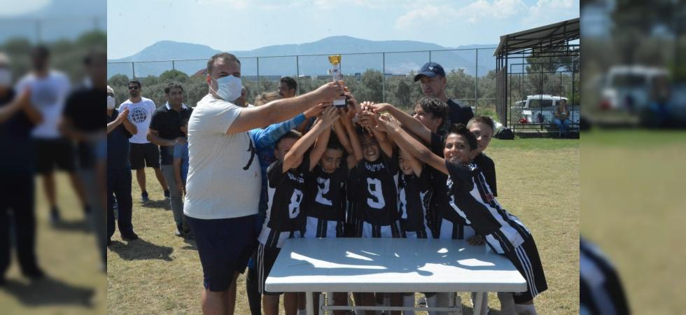 Yunusemre'de Zafer Bayramı Futbol Turnuvası düzenlendi