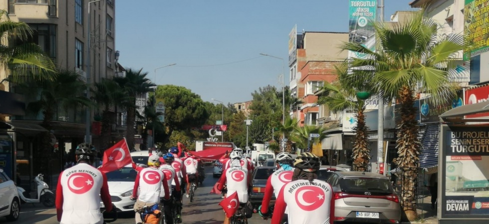 Büyük Taarruz Bisiklet Turu ekibi Turgutlu'da ağırlandı