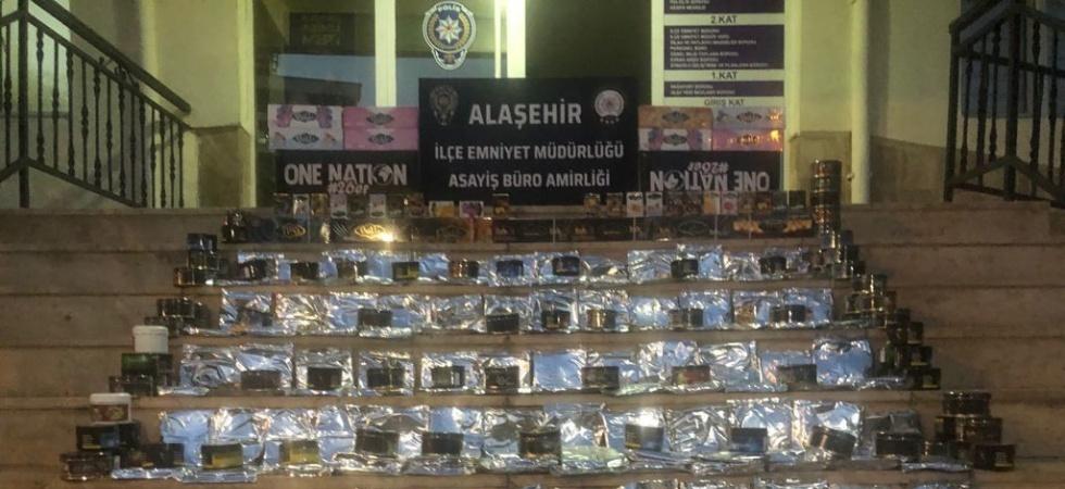Manisa'da 502 paket kaçak nargile tütünü ele geçirildi