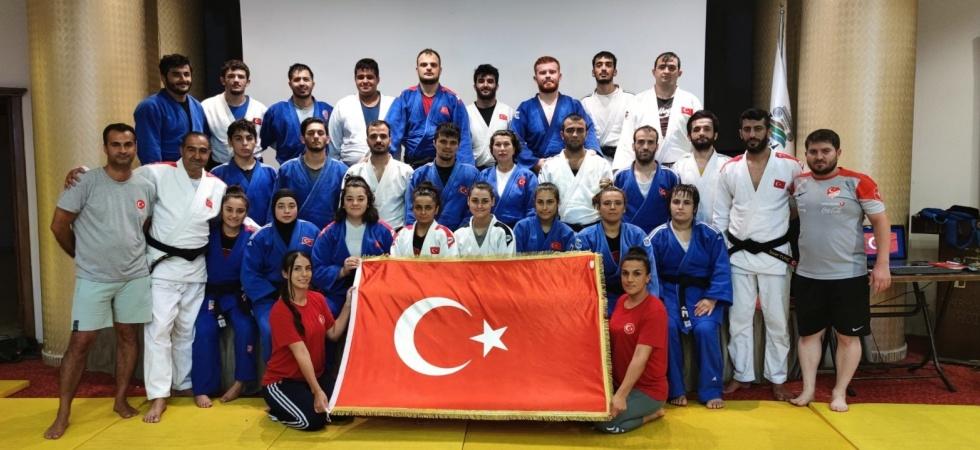 Milli judocular Dünya Şampiyonası'na Salihli'de hazırlanıyor