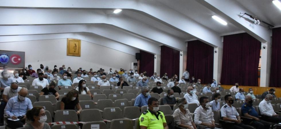 Salihli'de yeni eğitim-öğretim yılı değerlendirme toplantısı