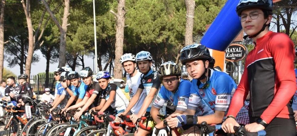 Bisiklet tutkunları Şehzadeler'de buluştu