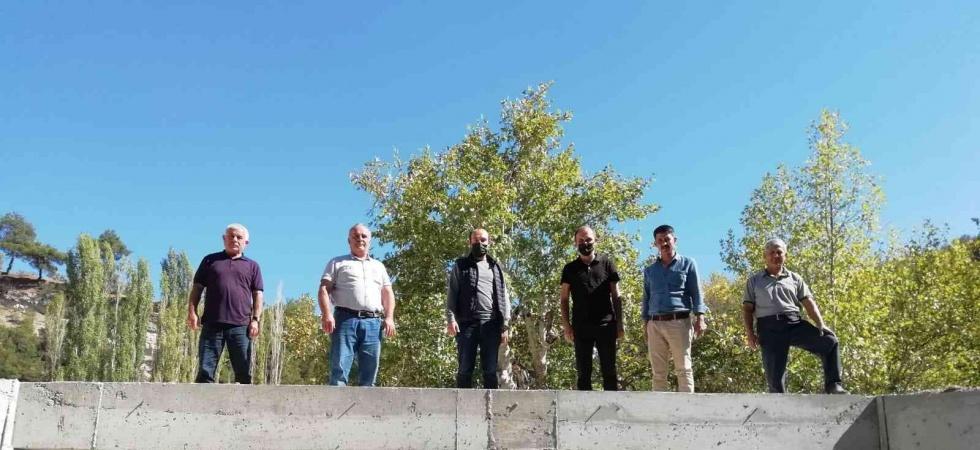 Yapılan köprü kırsal mahallelerin ilçe merkezine ulaşımını kısalttı