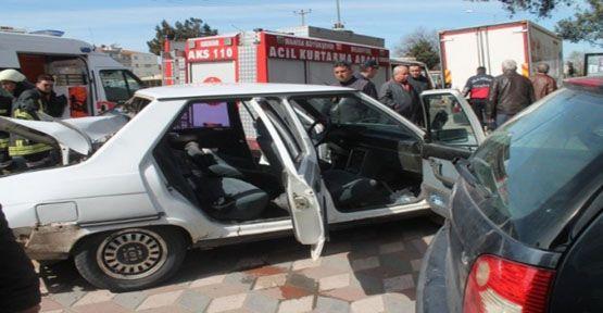 Akhisar'da Trafik Kazası: 2 Yaralı
