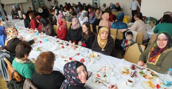 Aktif Eğitimcilerden Kadınlar Günü Programı
