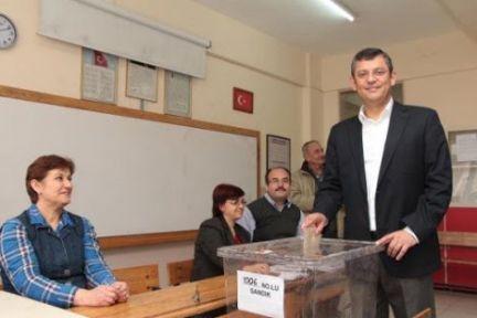 CHP'de Özgür Özel rüzgarı