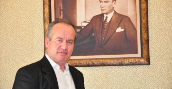 """Özen; """"Yaşar Kemal kendisini edebiyata ve barışa adayan bir aydındı"""""""