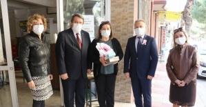 Manisa'da kadın muhtarların Kadınlar Günü kutlandı