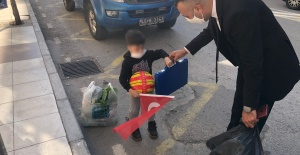 Sokaktan geçimlerini sağlayan çocukları unutmadılar