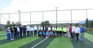 Spor Toto'dan Salihli'ye halı saha