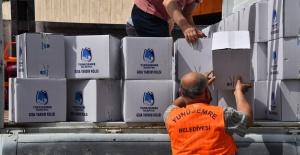 Yunusemre Belediyesi elini mazlumlara uzattı