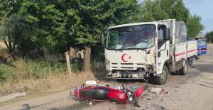 Manisa'da süt kamyoneti ile motosiklet çarpıştı: 1 ölü