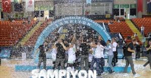 Federasyon Kupası'nın şampiyonu Manisa Büyükşehir Belediyespor oldu