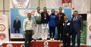Türkiye Karate Şampiyonası'nda Manisa BBSK damga vurdu,