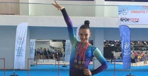 Altın kız yine madalyaları topladı