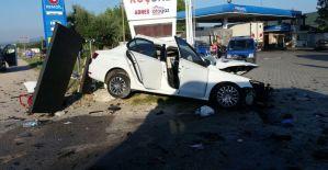 Karşı şeride geçen kamyonet dehşet saçtı: 1 ölü, 4 yaralı