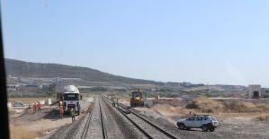 Akhisar'ı ikiye bölen demiryolu şehir dışına alınıyor