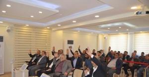 Komisyon Seçiminde Arbede Çıktı Meclis Üyesinin Parmağı Kırıldı