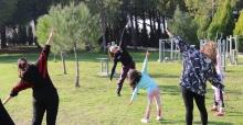 Dünya Cimnastik Şampiyonu'ndan Akhisarlı kadınlara sabah sporu