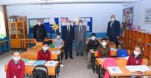 Salihli'de 27 bin öğrenciye maske ve dezenfektan desteği